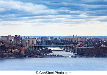 Henry Hudson Bridge, Bronx from Englewood Cliffs - View of ...