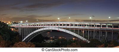 Henry Hudson Bridge - The Henry Hudson Bridge connects the...