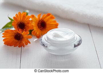 Herbal cosmetic ance cream with calendula vitamin natural organic moisturizer