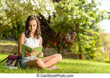 herbe, séance, livre, étudiant, lecture fille