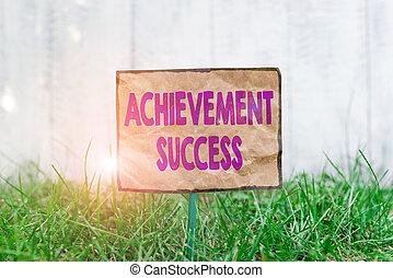 herbeux, réalisé, accompli, avoir, signification, accomplissement, crosse, attaché, land., écriture, chiffonné, texte, papier, placé, écriture, success., concept, statut, but, vert