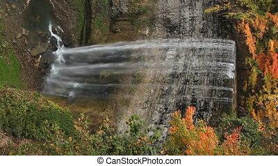 herbst, waterfall., vertical.