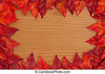 herfst, achtergrond, met, rood, en, sinaasappel, dalingsbladeren, op, hout