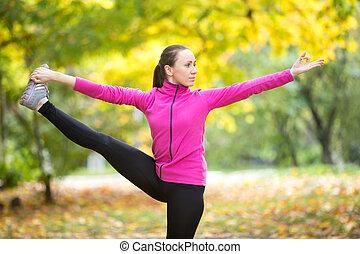 herfst, fitness, outdoors:, utthita, hasta, padangustasana