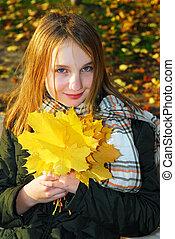 herfst, meisje, bladeren