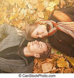 herfst, paar, vrolijke