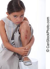 herido, niña, joven, pierna