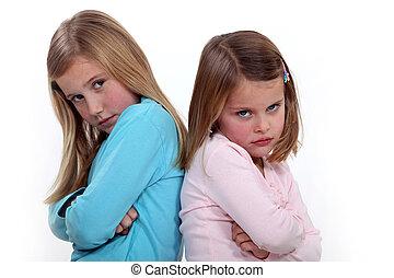 hermanas, discusión, dos