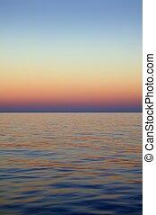 hermoso, azul, encima, cielo, océano, ocaso, salida del sol, mar, rojo