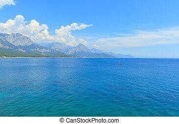 hermoso, azul, mar, en, antalya
