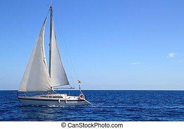 hermoso, azul, navegación, velero, vela, mediterráneo