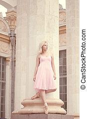 hermoso, bailarina, vestido rosa