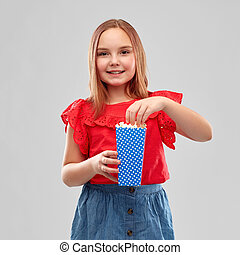 hermoso, camisa, sonriente, falda, niña, rojo
