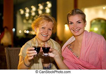 hermoso, celebrar, dos mujeres
