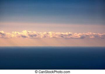 hermoso, cielo, con, rayos sol, por, nubes