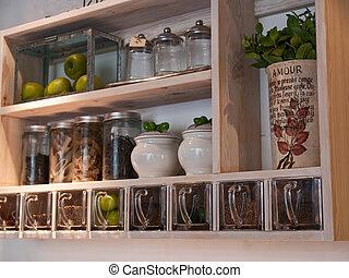 hermoso, clásico, estantes, especias, estante, cocina