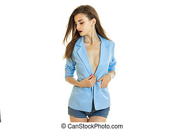 hermoso, dama joven, en, chaqueta azul, posar, en, estudio