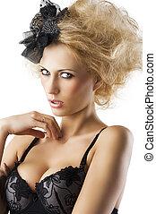 hermoso, derecho, girado, cuartos, pelo, lenceria, miradas, rubio, niña, sostén, estilo, ella, tres, negro, derecho, llevando, muy, accesorio, lente, mano, cuello, ella