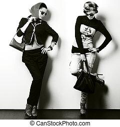 hermoso, diferente, moda, foto, dos, uno, estilo, niña,...