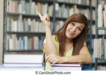 hermoso, estudiante, el señalar en, copyspace