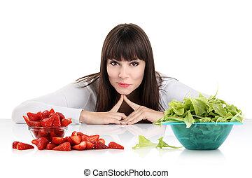 hermoso, haciendo dieta, mujer, pérdida de peso, sano, concept., entre, sweets., joven, comida., diet., escoger, fruits