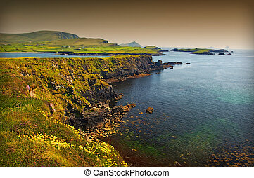 hermoso, impresionante, escénico, vibrante, irlandés,...