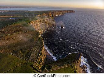 hermoso, irlandés, aéreo, moher, encima, condado, paisaje,...