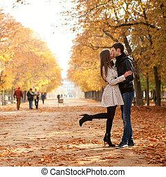 hermoso, jardín, pareja, parís, luxemburgo, joven, fall., francia
