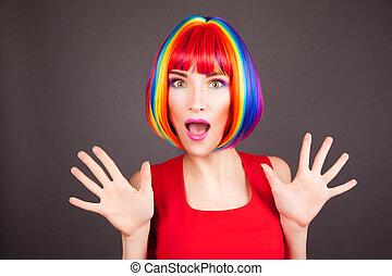 hermoso, llevando, mujer, colorido, peluca