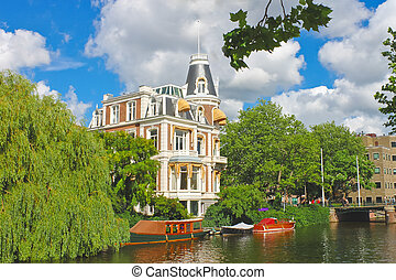 hermoso, mansión, en, un, canal, en, amsterdam., países bajos