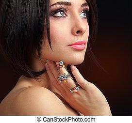 hermoso, maquillaje, cara, finger., primer plano, hembra, ...