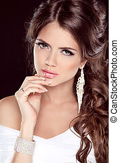 hermoso, morena, hairstyle., niña, aislado, makeup., elegante, moda, fondo negro, manicured, vestido blanco, woman., nails.