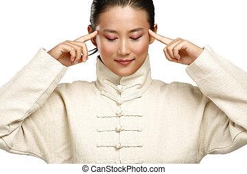 hermoso, mujer asiática, marca, kung fu, gesto
