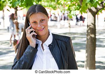 hermoso, mujer de teléfono, célula, hablar