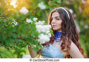 hermoso, mujer joven, en, un, parque, en, primavera, lila