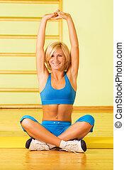 hermoso, mujer joven, relajante, después, ejercicio salud