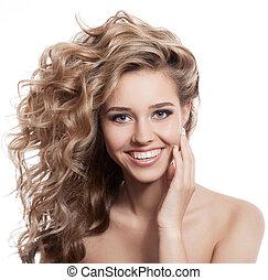 hermoso, mujer sonriente, retrato, blanco, plano de fondo