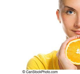 hermoso, niña, con, jugoso, naranja