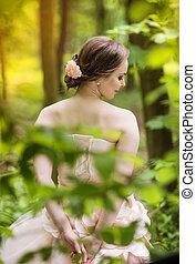 hermoso, novia, en, bosque