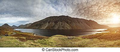 hermoso, ocaso, paisaje, imagen, de, agua de wast, y, montañas, en, lkae, distrito, en, otoño, en, inglaterra