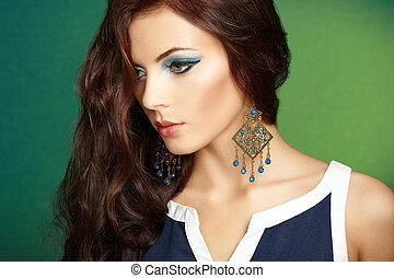 hermoso, perfecto, mujer, pendiente, foto, Maquillaje, Moda, morena, retrato