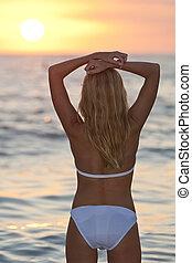 hermoso, playa, biquini, mujer, ocaso