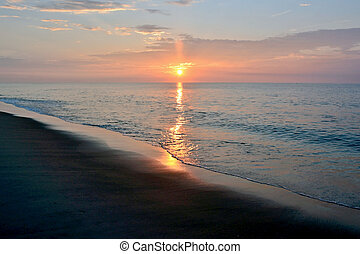hermoso, playa, salida del sol, en, un, verano, mañana