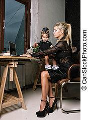 hermoso, poco, empresa / negocio, ella, girl., madre