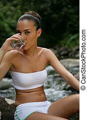 hermoso, primavera, bebida, mujer, agua