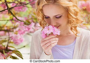 hermoso, primavera, mujer, jardín