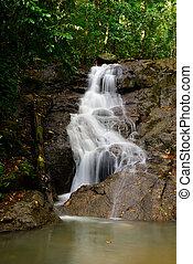 hermoso, provincia de phuket, kathu, cascada, thailand.