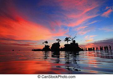 hermoso, reflexión, de, ocaso, con, mar, y, turista