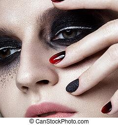 hermoso, rubio, niña, con, oscuridad, smokey, maquillaje, y,...