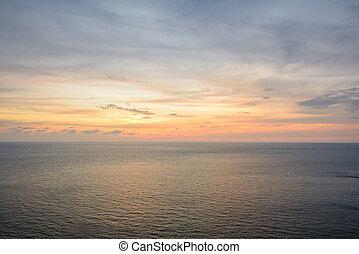 hermoso, salida del sol, agua, de, mar, en, phuket, tailandia